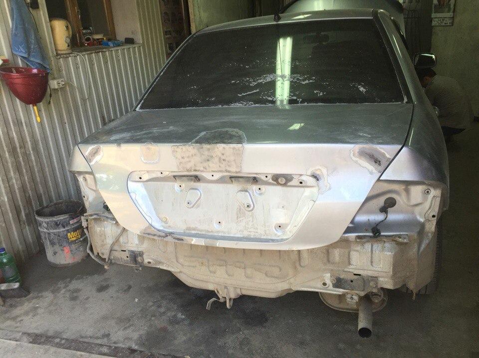 Mitsubishi Задняя часть авто - до